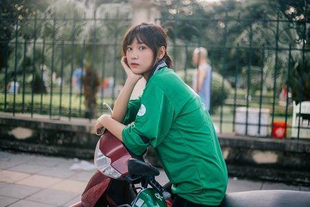 'Hot girl xe om' va cap mat ngo ngac hop hon dan mang - Anh 3
