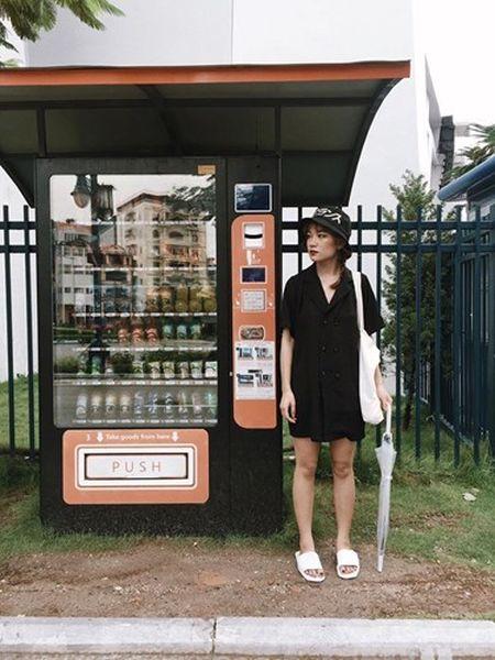'Hot girl xe om' va cap mat ngo ngac hop hon dan mang - Anh 6