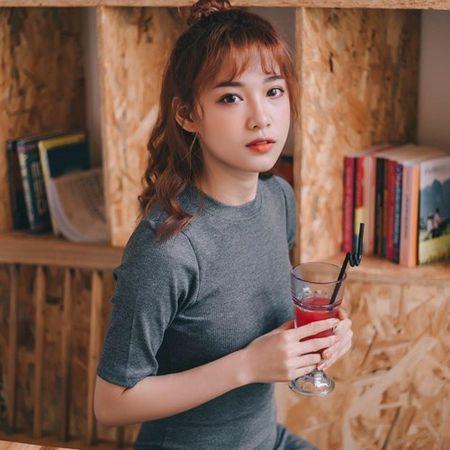 'Hot girl xe om' va cap mat ngo ngac hop hon dan mang - Anh 7