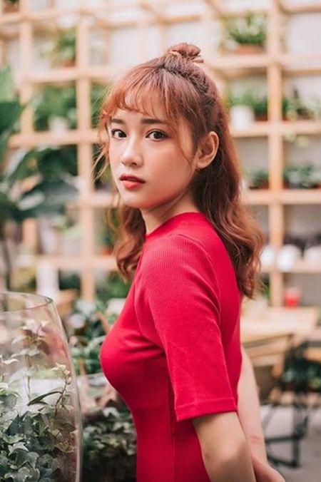 'Hot girl xe om' va cap mat ngo ngac hop hon dan mang - Anh 8
