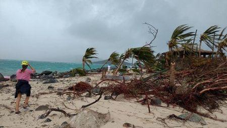 Thien duong cua 'di nhan' Richard Branson tan hoang sau sieu bao Irma - Anh 13