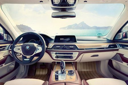 Du thuyen tren can 'sieu doc' BMW Individual M760Li - Anh 6