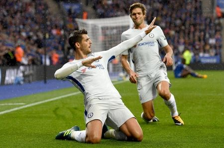 Hazard choc 'bom tan' cua Chelsea khong biet ghi ban bang chan! - Anh 1