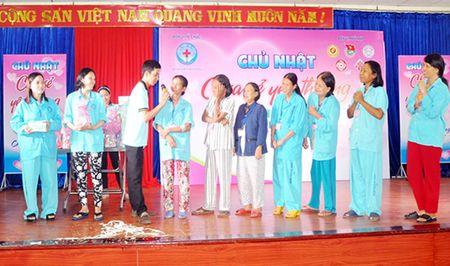 Ngay Chu nhat chia se yeu thuong - Anh 1