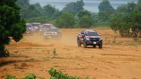 Chevrolet Colorado 'chay' cung Viet Nam Offroad Cup 2017 - Anh 3