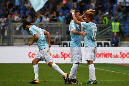 Con bao 'Ciro' nhan chim AC Milan - Anh 1
