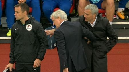 Nhin lai vong 4 Ngoai hang Anh: Mane pham loi rung ron, Mourinho quay lung lanh lung - Anh 3