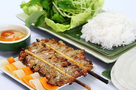Dao quanh pho co, thuong thuc 10 mon an truyen thong chuan vi Ha Noi - Anh 2