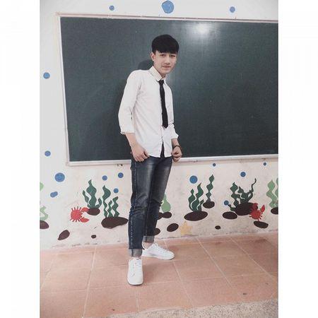 Nam sinh dien trai DH Noi vu don tim dan mang boi giong hat tram am - Anh 5