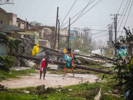 Bao Irma gay song cao 6 m, bien thu do Cuba thanh 'be nuoc lon' - Anh 4