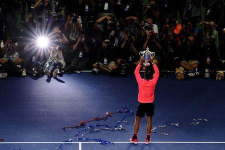 Nadal vung chac vi tri so 1 toi cuoi nam, nhieu bien dong sau My mo rong - Anh 1