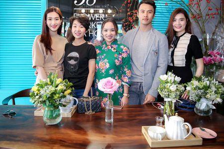Hoa hau Thu Thao khoe nhan cuoi sau thong tin lay chong dai gia - Anh 5