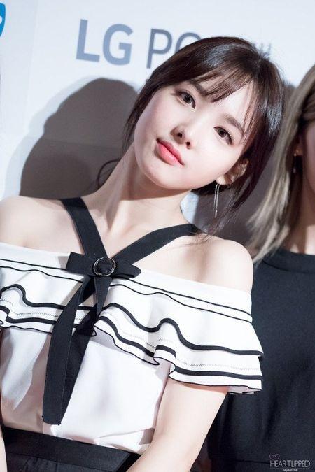 12 my nhan the he moi duoc cho don nhat tren tham do Kpop - Anh 2