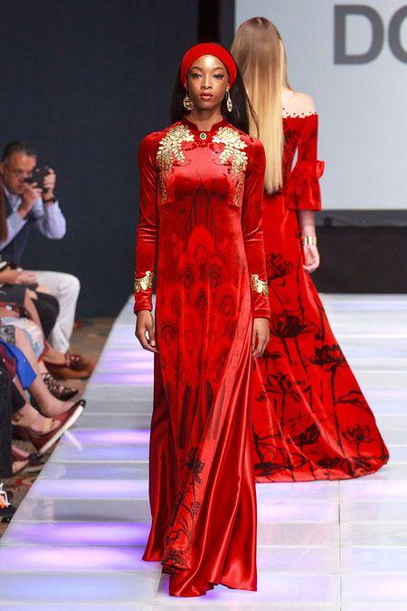 Khai mac New York Couture Fashion Week, NTK Viet tao tieng vang lon - Anh 11