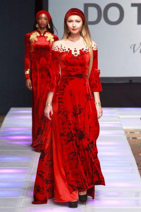 Khai mac New York Couture Fashion Week, NTK Viet tao tieng vang lon - Anh 12