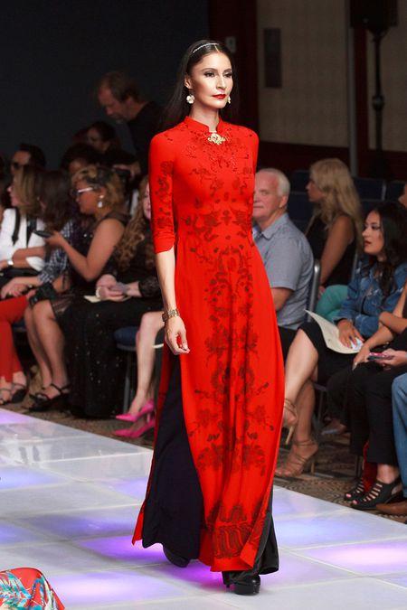 Khai mac New York Couture Fashion Week, NTK Viet tao tieng vang lon - Anh 3