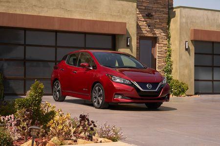 Xe dien Nissan Leaf 2018 doi thu Tesla Model 3 duoc trang bi nhung gi? - Anh 3