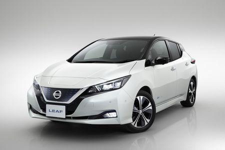 Xe dien Nissan Leaf 2018 doi thu Tesla Model 3 duoc trang bi nhung gi? - Anh 5