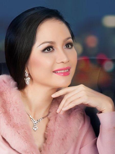 Bat ngo nhan sac cua Hoa hau Viet Nam dang quang 2 lan - Anh 7