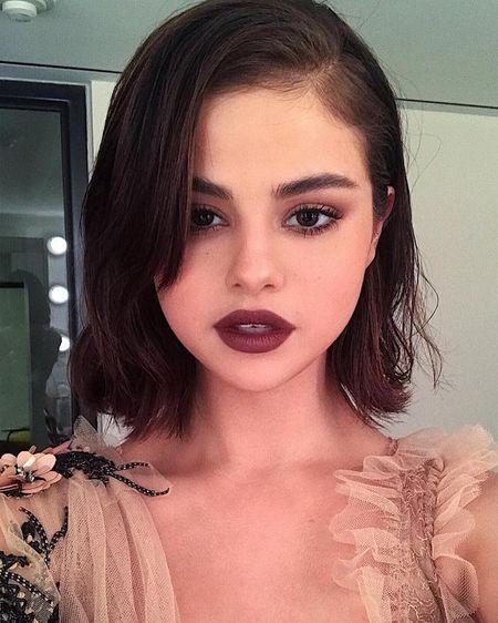Selena Gomez vo cung xinh dep trong dem tiec voi bo me chong Ha Tang - Anh 1