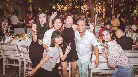 Nhom nu quai Ngua Hoang cuc nhang nhit trong tiec dong may 'Sunny' ban Viet - Anh 12