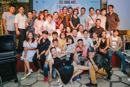 Nhom nu quai Ngua Hoang cuc nhang nhit trong tiec dong may 'Sunny' ban Viet - Anh 2