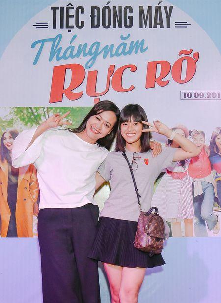 Nhom nu quai Ngua Hoang cuc nhang nhit trong tiec dong may 'Sunny' ban Viet - Anh 5