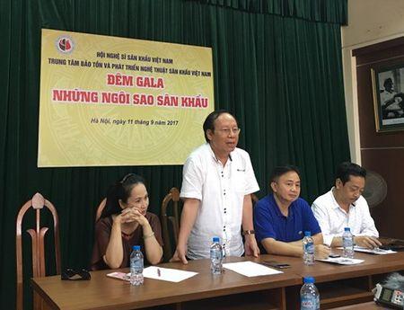 Hong Van, Hoai Linh, Xuan Bac, Tu Long chung suc vi nghe si san khau Viet Nam - Anh 2
