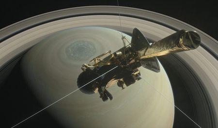 Giai ma tai sao tau vu tru 3,3 ty USD cua NASA phai 'bo mang' tren sao Tho - Anh 1