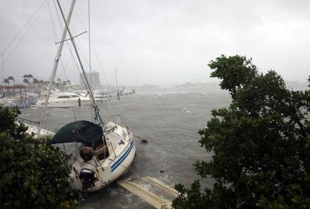 Tinh canh khon cung cua nguoi dan Florida trong sieu bao Irma - Anh 1