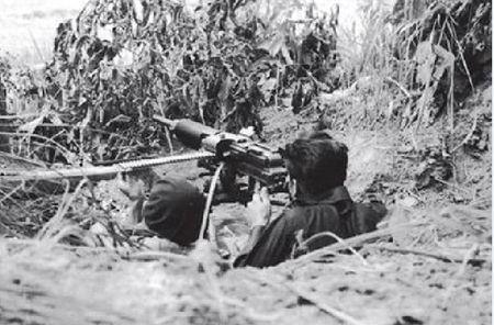 Kham pha khau sung may Nhat dang so trong tay quan doi Viet Nam - Anh 1