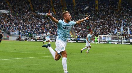 Milan vo mong voi tham bai, Inter, Napoli uy hiep Juventus - Anh 1