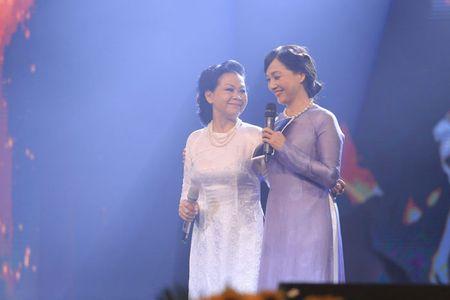 Khanh Ly 2 dem dien tai Nha hat Lon Ha Noi chua du - Anh 2