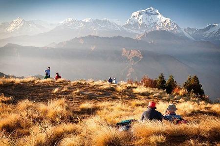 Nepal muon dua du khach Viet den voi dinh Everest va di san van hoa Phat giao - Anh 2