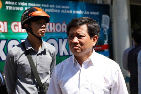 Bi doa giet, Pho Chu tich Doan Ngoc Hai van quyet dep loan via he den cung - Anh 1