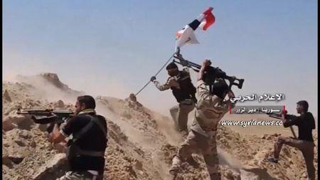Chien su Syria: Quan Assad quet sach IS, giai phong cao toc Sukhna-Deir Ezzor - Anh 1