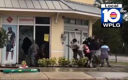 'Quai vat' Irma cuong no khien Florida (My) tan hoang - Anh 12