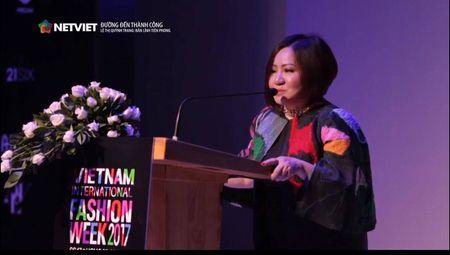 Trang Le - 'nguoi phu nu quyen luc' dang sau Next Top van chi ua chuong mot chiec ao - Anh 3