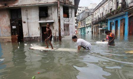 Nhip song nhanh chong tro lai o Cuba sau sieu bao Irma - Anh 2