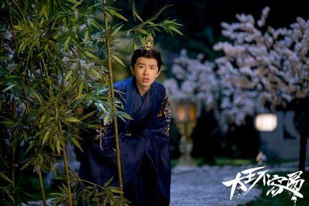 'Dai vuong khong de lam': Chua kip xem chuyen tinh tay ba, Co Man da tich cuc tac hop cho Thieu Ung - Anh 9