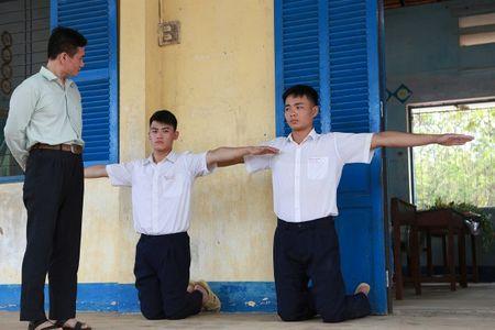 Cuoi cung dien anh Viet da co phim dong tinh lay de tai hoc sinh giong Thai Lan - Anh 1
