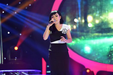 Bi Lam Khanh Chi to bo show, Phuong Thanh 'danh thep' dap tra - Anh 2