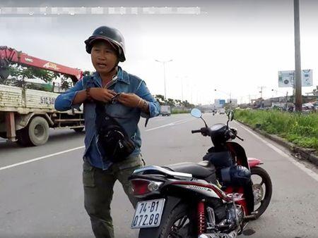 Nguoi quay phim CSGT o duong cong: 'Nguoi doa danh toi, nhieu lan dung gan chot CSGT!' - Anh 2