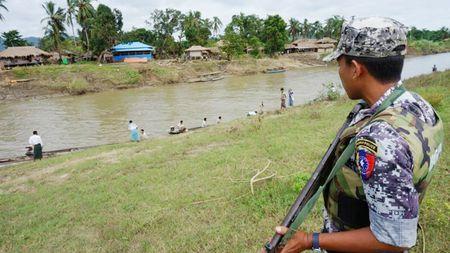 Chinh phu Myanmar doi pho bat on - Anh 1