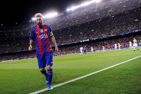 Messi va Sanchez linh xuong doi hinh mien phi he nam sau - Anh 11