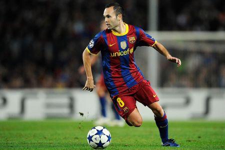 Messi va Sanchez linh xuong doi hinh mien phi he nam sau - Anh 7