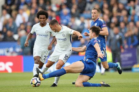 Hazard treu dua Morata nen ghi ban bang chan - Anh 1