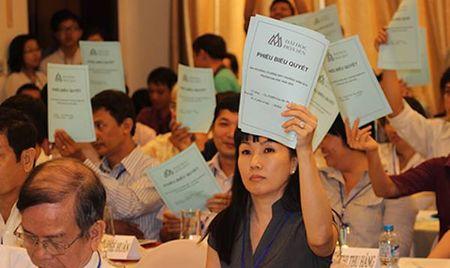 Hoan xu viec nguyen lanh dao Truong DH Hoa Sen kien UBND TP.HCM - Anh 1