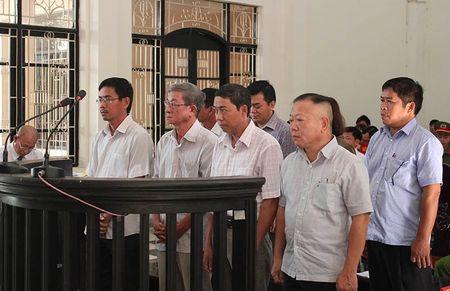 Nguyen Pho giam doc Agribank Tra Vinh hau toa - Anh 1