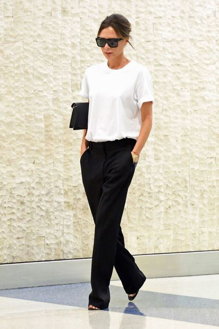 Street style ao phong trang cua Victoria Beckham suot Tuan le thoi trang New York 2017 - Anh 3